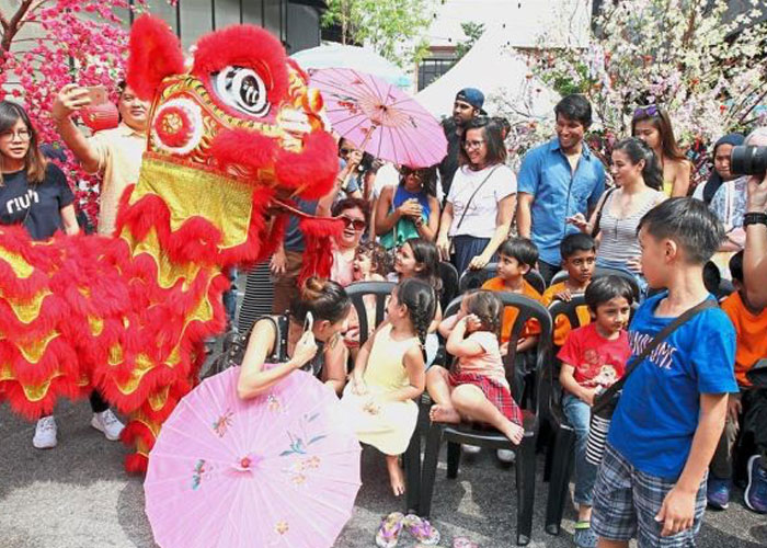 It's the Gong Xi season at Riuh this time